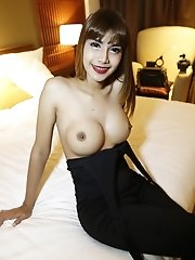 26yo busty Thai ladyboy with small dick blows big white tourists cock
